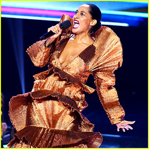 Tracee Ellis Ross Sings 'A Moment Like This' During AMAs Opening Monologue (Video)