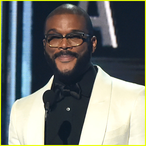 Tyler Perry Gets Standing Ovation at CMA Awards 2017, Says It's Time 'We All Come Together'