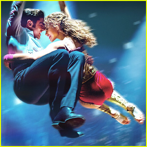 Zac Efron & Zendaya Fly Away in New 'Greatest Showman' Posters