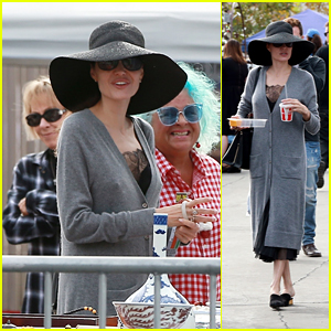 Angelina Jolie Enjoys a Family Day at Rose Bowl Flea Market!