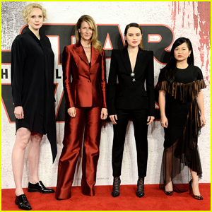 Daisy Ridley & 'Star Wars: The Last Jedi' Ladies Join Forces at London Photo Call!