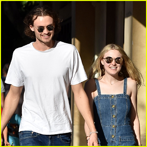 Dakota Fanning & Boyfriend Henry Frye Hang with Her Family