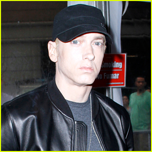 Eminem Admits That He Uses Tinder... & Grindr?!