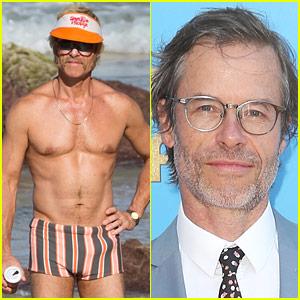 Guy Pearce Bares Hot, Fit Body in New Movie 'Swinging Safari'