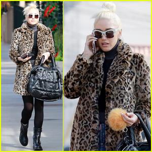 Gwen Stefani Reveals the Song Boyfriend Blake Shelton Wanted For His Own Album!