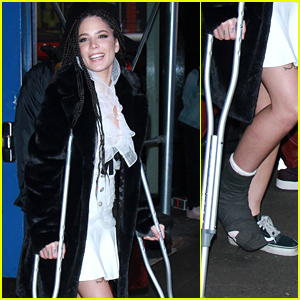 Halsey Performs on a Broken Foot With Boyfriend G-Eazy - Watch!