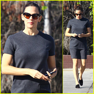 Jennifer Garner Heads to a Sunday Church Service