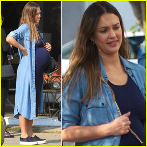 Jessica Alba Shows Off Her Major Baby Bump at Lunch!