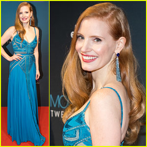 Jessica Chastain Makes Another Stunning Red Carpet Appearance for 'Molly's Game'