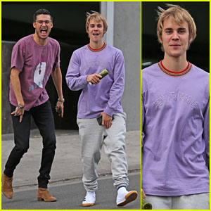 Justin Bieber Gets Goofy While Grabbing Lunch With His Church's Preacher!