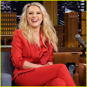 Kate McKinnon Shows Off Her Hilarious Gal Gadot Impression on 'Tonight Show' - Watch Here!