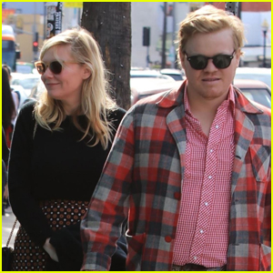 Kirsten Dunst & Fiancé Jesse Plemons Have a Family Holiday Luncheon!