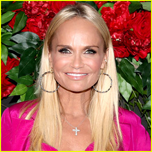Kristin Chenoweth Is Developing a 'Death Becomes Her' Musical!