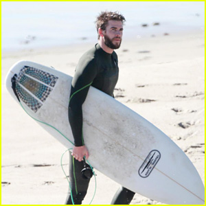 Liam Hemsworth Hits the Beach to Go Surfing in Malibu!