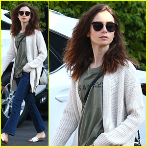 Lily Collins Is Off to the Countryside For The Holidays!