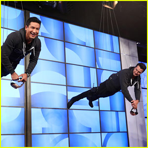 Mario Lopez & Luke Bryan Play 'You Bet Your Wife' on 'Ellen'