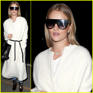 Rosie Huntington-Whiteley's Airport Sunglasses Get Vogue's Endorsement