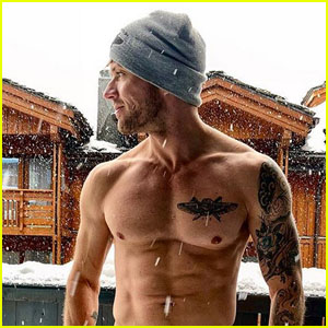 Ryan Phillippe Is Icy Hot in Shirtless Snow Photo - See the Pic!