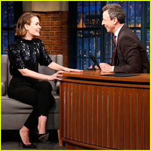 Sarah Paulson Has 'Low-Level, Super Cool, Chill Obession' with Rihanna!