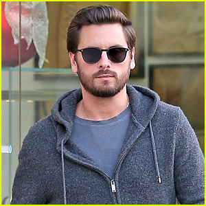 Scott Disick Spends His Afternoon Shopping in Calabasas