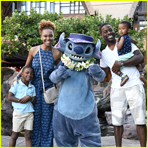 Sterling K. Brown & His Family Meet Stitch at Disney Resort in Hawaii!