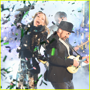 Sugarland Reunites for NYE 2018 Performance in Times Square!