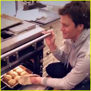 Tom Brady Makes His Famous Biscuits on Christmas with Gisele Bundchen