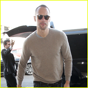 Alexander Skarsgard Flies Out of L.A. After His Award Wins