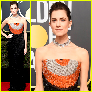 Allison Williams Adds a Pop of Color to Black Dress at Golden Globes 2018