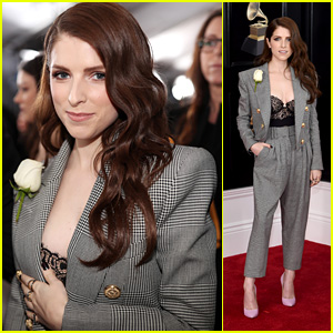 Anna Kendrick Looks Chic in a Suit on the Red Carpet at Grammys 2018