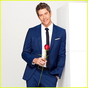This Text to Arie Luyendyk Jr's Phone Shows How His Career Is Being Affected By 'The Bachelor'