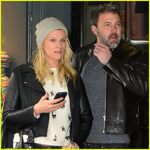 Ben Affleck & Lindsay Shookus Make a Sports Shop Stop!