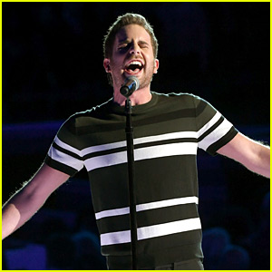 Ben Platt Gives Incredible 'Somewhere' Performance at Grammys 2018! (Video)