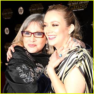 Billie Lourd Celebra la Mamá de Carrie Fisher's Grammy Póstumo de Ganar - Ver Lo que Ella Dijo!