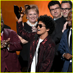 Bruno Mars Wins Album of the Year With '24K Magic' at Grammys 2018!