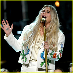 Celebrities Praise Kesha's Powerful Grammys 2018 Performance - Read the Tweets