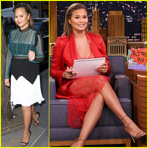 Chrissy Teigen Reveals She Literally Bowed Before Beyonce at Grammys 2018!