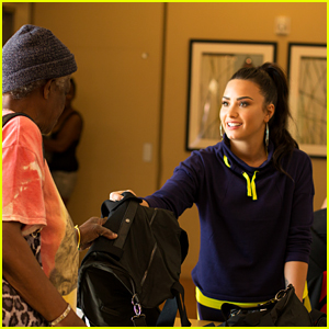 Demi Lovato Visits the Downtown Women's Shelter in Los Angeles!