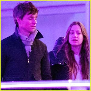 Eddie Redmayne & Pregnant Wife Hannah Run Errands in London