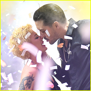 Halsey & G-Eazy Share Midnight Kiss During NYE Performance in Miami!
