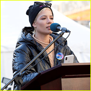 Halsey Delivers Moving Speech at Women's March 2018 in NYC (Video)