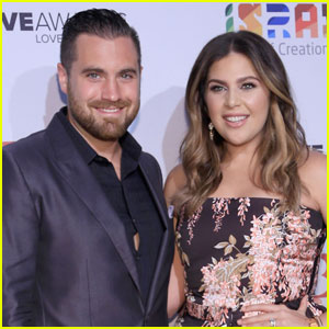 Lady Antebellum's Hillary Scott Gives Birth to Twin Girls!