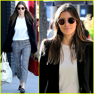 Jessica Biel Keeps It Comfy & Trendy for LA Shopping Trip
