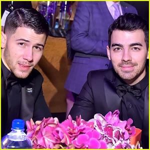 Joe Jonas Got to Meet 'The Room' Star Tommy Wiseau at Golden Globes 2018!