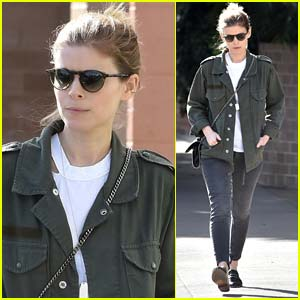 Kate Mara Goes Makeup-Free While Stepping Out for Lunch