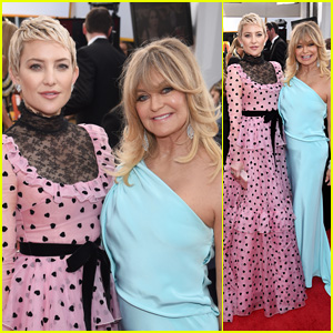 Kate Hudson & Goldie Hawn Have a Mother-Daughter Moment at SAG Awards 2018!