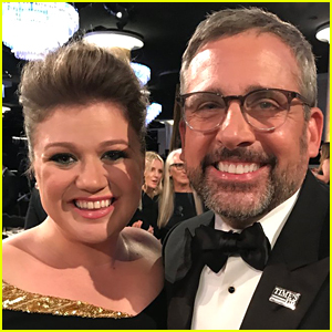 Steve Carell & Kelly Clarkson Finally Meet, 13 Years After '40-Year-Old Virgin'