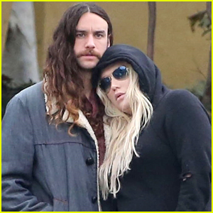 Kesha & Boyfriend Brad Ashenfelter Couple Up for Lunch in LA