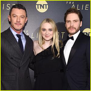 Luke Evans Joins Co-Stars Dakota Fanning & Daniel Bruhl at NYC Premiere of 'The Alienist'