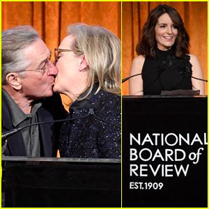 Meryl Streep Kisses Robert De Niro While Being Honored at NBR Awards 2018!